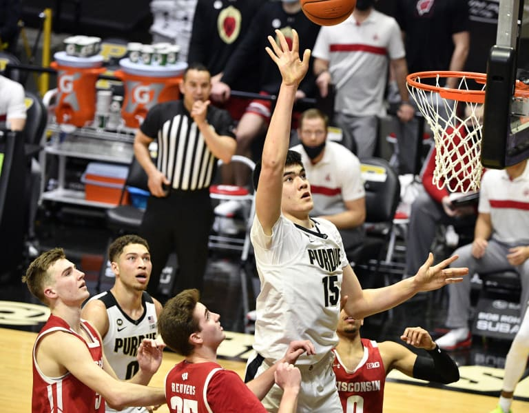 Zach Edey carries Purdue past Wisconsin