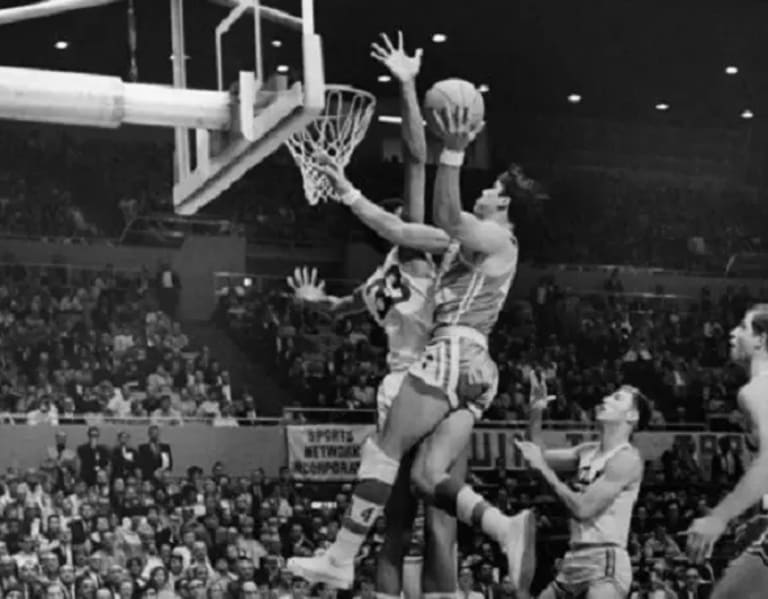 Top 25 Players In UNC Basketball History: No. 7 - Larry Miller