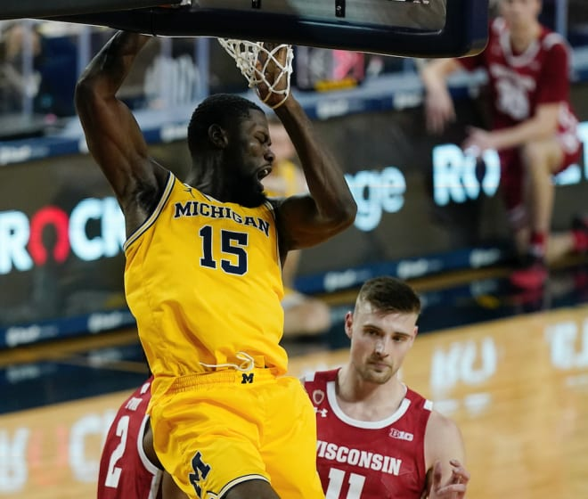 Michigan Wolverines basketball's Chaundee Brown is a Los Angeles Laker.