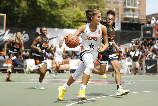 Notre Dame Fighting Irish women's basketball freshman guard Sonia Citron