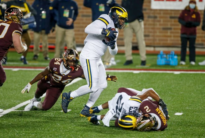Michigan Wolverines football defensive tackle Donovan Jeter scored a touchdown against Minnesota last season.