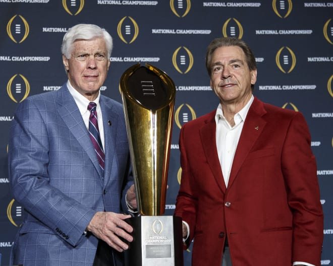 Former Alabama athletic director Bill Battle, left, was hospitalized with COVID-19 on Friday night. Photo | Getty Images