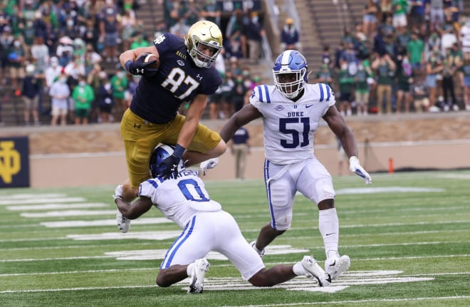 Michael Mayer caught 42 passes as a freshman for Notre Dame in 2020.