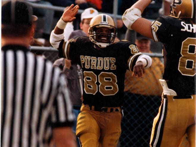 Calvin Williams, who celebrates his 54th birthday today,  was a standout receiver for the Boilermakers from 1986-89.
