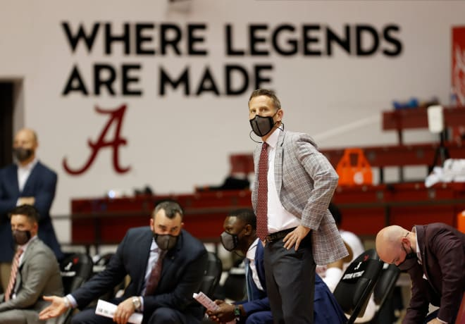 Alabama basketball head coach Nate Oats watches the action from the bench as the Tide opens the season with a game against Jacksonville State. Photo   Imagn