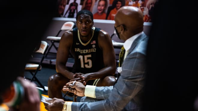 Vanderbilt dropped a fourth straight game with an 81-61 loss Saturday at No. 10 Tennessee.