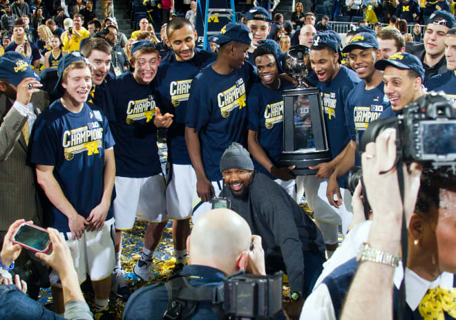 Michigan Wolverines basket