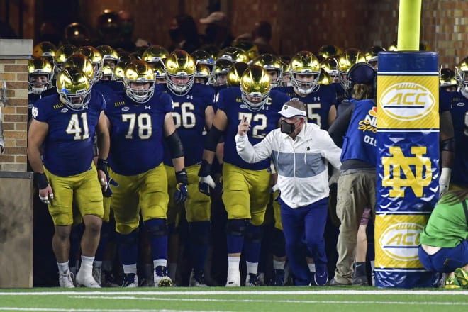 Brian Kelly and the Notre Dame football team