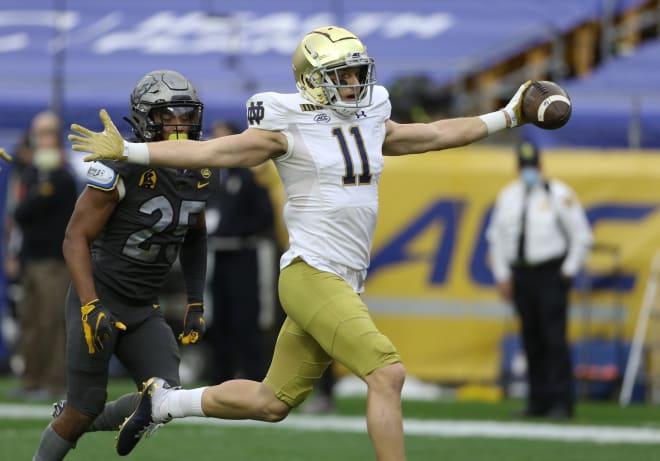 Notre Dame fifth-year senior wide receiver Ben Skowronek scoring a touchdown versus Pitt Oct. 24