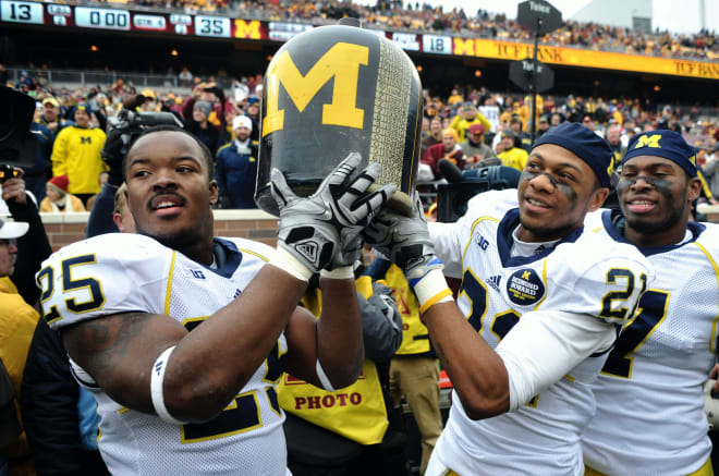Michigan Wolverines football hopes to claim The Little Brown Jug again