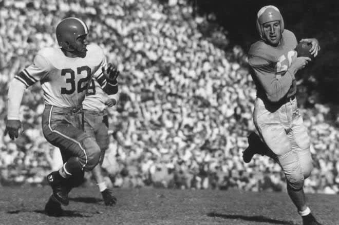 Our series ranking the 20 best UNC football teams of all time continues with the 1948 Tar Heels.