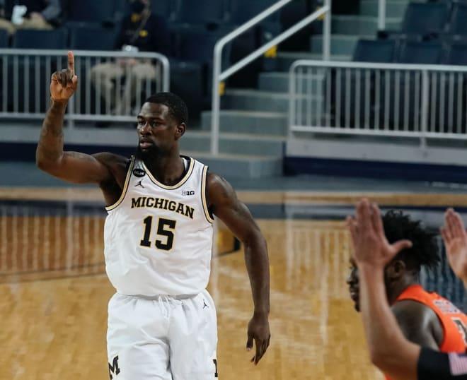 Michigan Wolverines basketball G Chaundee Brown
