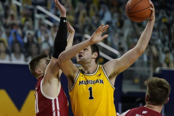 Michigan Wolverines basketball freshman center Hunter Dickinson is leading the team in scoring.