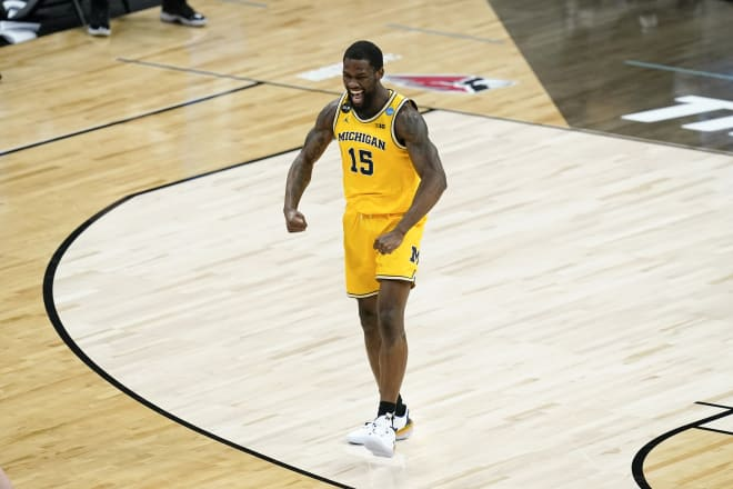 Former Michigan Wolverines basketball guard Chaundee Brown Jr. has signed with the Los Angeles Lakers.