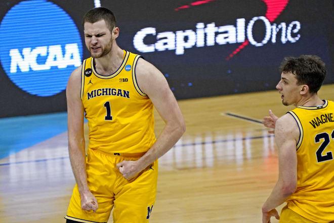 Michigan Wolverines basketball freshman center Hunter Dickinson led U-M in scoring last season with 14.1 points per game.