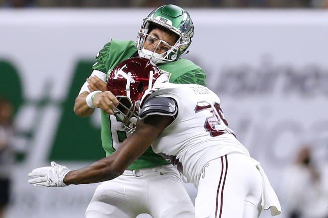 Linebacker Tron Folsom returns in 2018 after leading Troy in tackles last season.