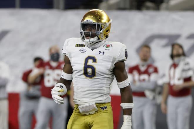 Notre Dame Fighting Irish football linebacker Jeremiah Owusu-Koramoah