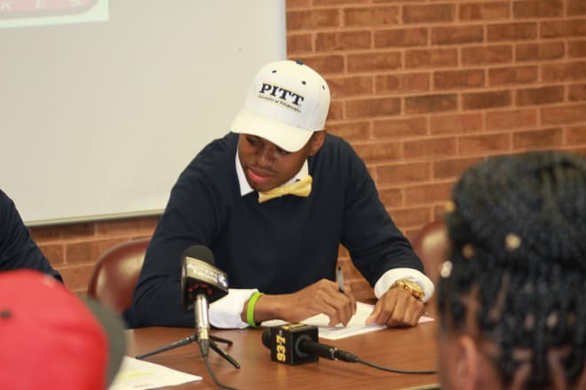 Ford signs his National Letter of Intent at Steel Valley High School