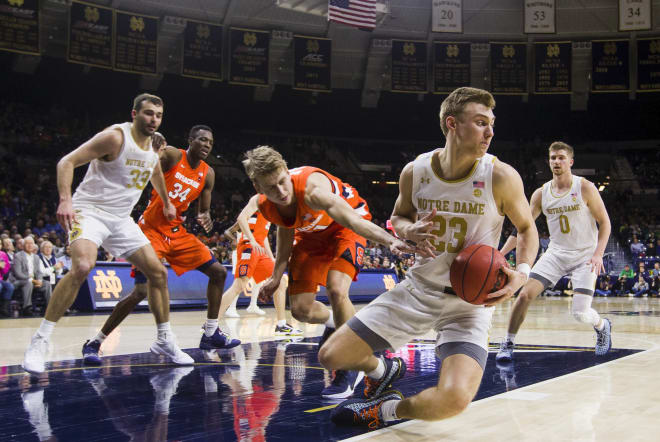 Notre Dame has won the last two times it played Syracuse on the road.