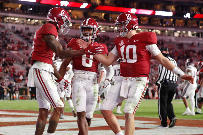 Alabama moved to No. 1 in the polls for following Clemson's loss to Notre Dame. Photo   Getty Images