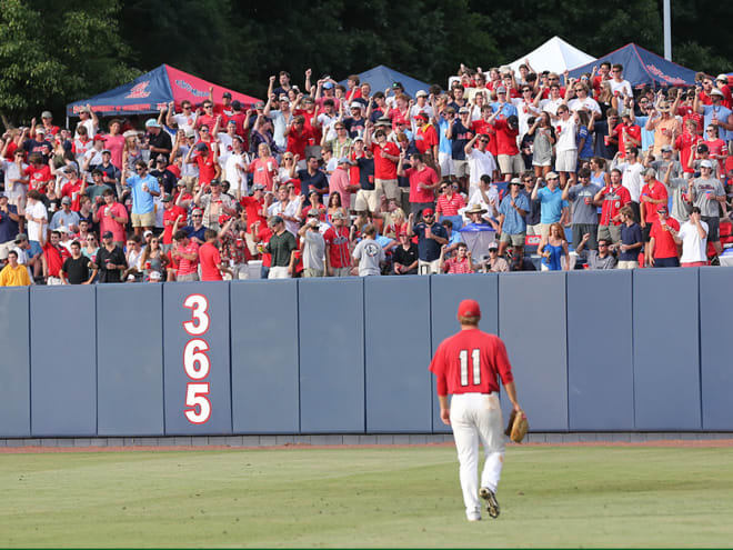 The right field crowd during the 2014 Oxford Regional