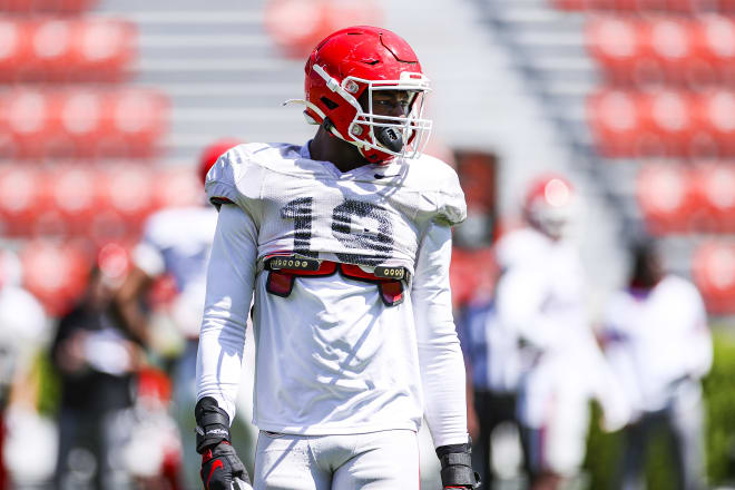 Adam Anderson gets ready for a rep at spring practice. (Tony Walsh/UGA Sports Communications)