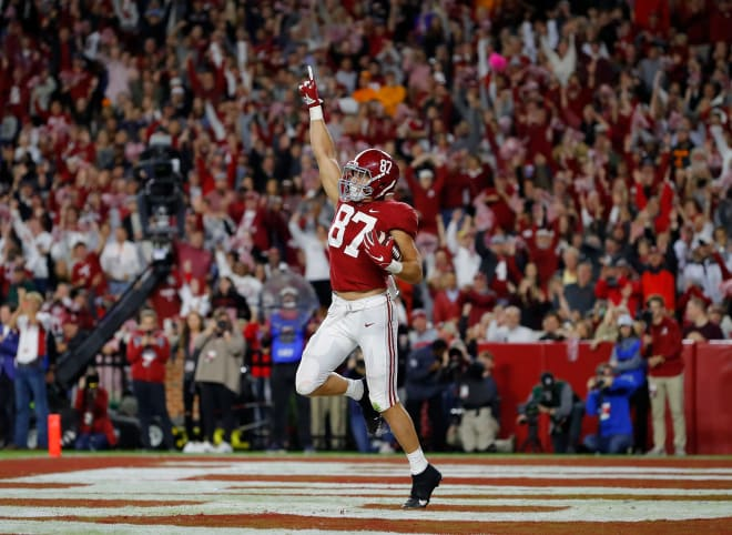 Alabama Crimson Tide tight end Miller Forristall celebrates a touchdown. Photo | Getty Images