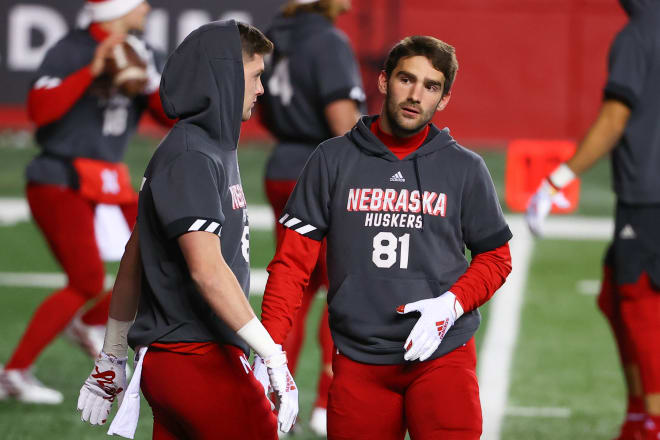 Junior wide receiver Kade Warner has entered the transfer portal, along with sophomore offensive lineman Will Farniok.