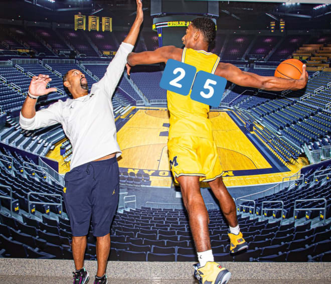 Michigan Wolverines basketball freshman Jace Howard is tasked with carrying forward the legacy of wearing No. 25, like his father Juwan before him.