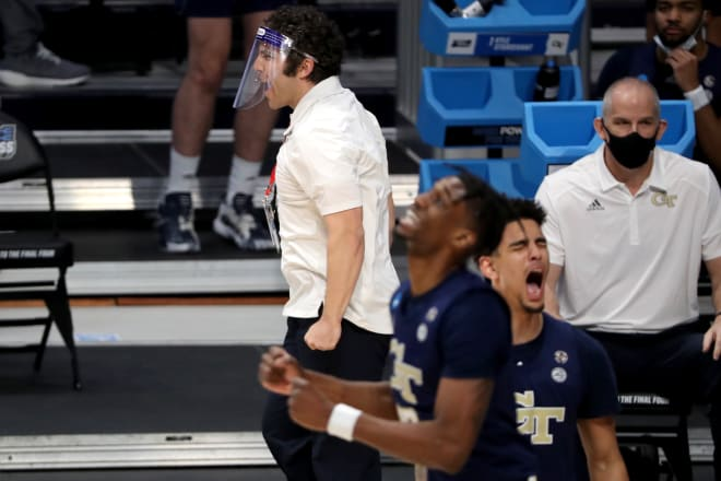 Tech players react to a bad call by the officials
