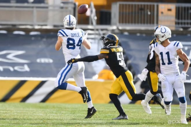 Jack Doyle hauls in a catch versus the Steelers on Sunday. (Photo: colts.com)