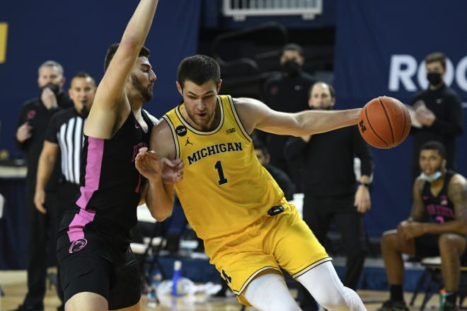 Michigan Wolverines freshman center Hunter Dickinson is proving to be one of the Big Ten's best players.