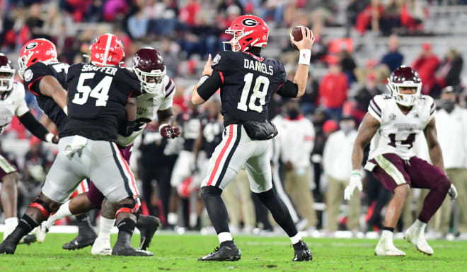 JT Daniels throws the ball against Mississippi State. (Perry McIntyre/UGA Sports Communications)