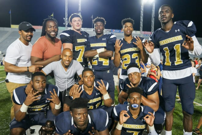DeVon Madden (top row, second from left) and DeWayne Brown (in front of Madden) at the 2016 Big 33