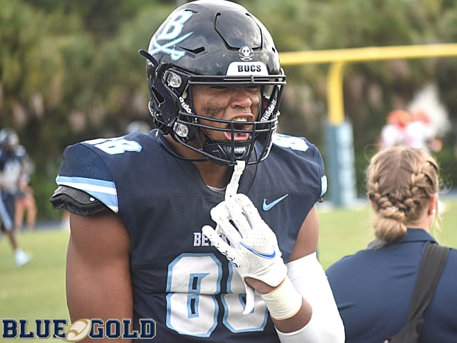 Notre Dame Fighting Irish football defensive end commit Keon Keeley