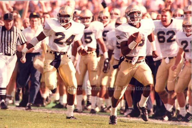 Quarterback Tony Rice's 65-yard touchdown run at USC helped propel a win at No. 2 USC for the 1988 national champs.