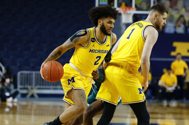 Michigan Wolverines Basketball Isaiah Livers Out Indefinitely