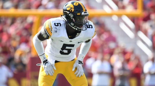 Cornerback Manny Rugamba is transferring out of Iowa.